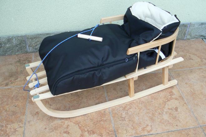 holzschlitten mit r ckenlehne mit wintersack schwarz lehne. Black Bedroom Furniture Sets. Home Design Ideas